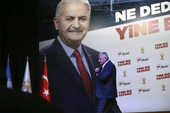 Binali Yildirim, de kandidaat van Erdogan, geeft verlies toe in Istanbul