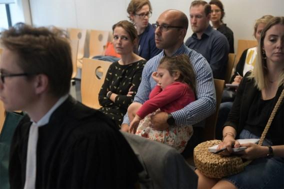 Rechter verplicht farmabedrijf om duur medicijn gratis te blijven geven aan 5-jarige Valentina