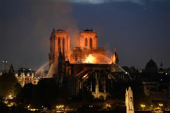 Onderzoekers brand Notre-Dame sluiten kwaad opzet uit, mogelijk kortsluiting of smeulende sigaret