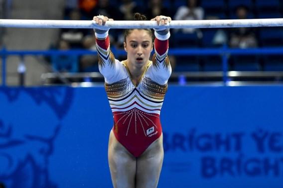 """Nina Derwael als tweede naar toestelfinale brug ongelijke leggers Europese Spelen: """"Blij dat ik van die kwalificatie af ben. Zo stressvol"""""""
