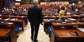 Elegante exit wil maar niet lukken voor Reynders