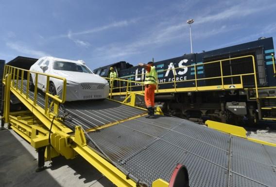 Volvo exporteert auto's naar China nu ook per spoor