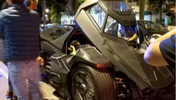 Brusselse politie houdt Batmobiel tegen