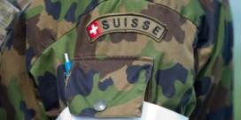 Veertigtal Zwitserse militairen plots ziek, vier personen kritiek
