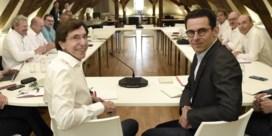 PS en Ecolo zoeken steun voor minderheidsregering bij parlementsleden