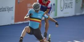 Belgische aflossingsploeg pakt brons op WK skeeleren dankzij spectaculaire finish van Bart Swings
