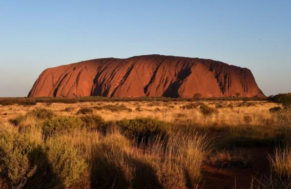 Stormloop van toeristen op Uluru: 'Dit is Disneyland niet'