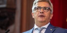 Deontologische code: 'Parlementslid mag geen snellere behandeling vragen'
