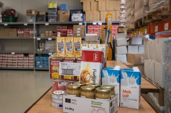 Regering gaat voedsel kopen voor armen