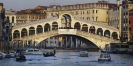 Venetië geeft koffiezettende toeristen boete van bijna 1.000 euro