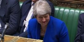 May eindigt tijd als premier met harde sneer naar Corbyn