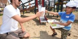 Kinderen gaan eeuw terug in de tijd met oude strandspelen