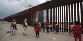 Wipplanken tussen grenshek brengen Amerikanen en Mexicanen samen