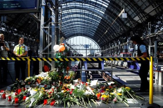 40-jarige man die vrouw en zoontje voor trein duwde, werd gezocht door Zwitserse politie