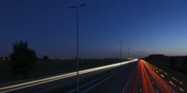 Nederland gaat snelwegen 's nachts opnieuw verlichten, situatie in Vlaanderen blijft dezelfde