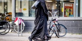 Zullen Nederlanders elkaar vragen om de boerka af te doen?