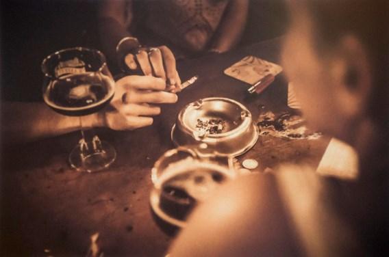 Brusselse cafés leven rookverbod nauwelijks na