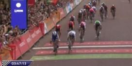 Elia Viviani sprint naar zege in Britse eendagskoers, Jasper Stuyven is eerste Belg op vierde plek