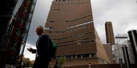 Kind dat van Tate Modern werd geduwd buiten levensgevaar