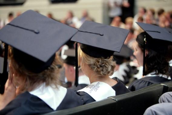 Vrouwen zijn slimmer, mannen bereiken meer, dat zijn de nieuwe stereotypen