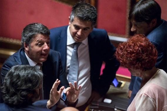 Oud-premier Renzi vraagt regering van nationale eenheid om Italië 'te redden'