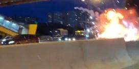 Tesla ontploft na botsing op Russische snelweg
