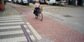 Lampjes flikkeren als fietser nadert