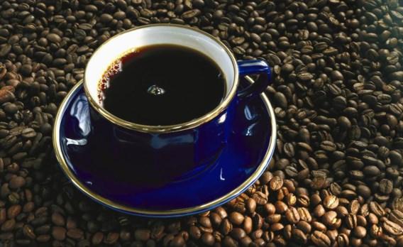 Overheid bespaart 500 badkuipen vol koffie