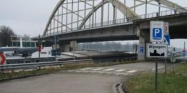 Dode en zwaargewonde bij crash tegen boom in Wijnegem