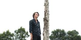 Met Dimitri Verhulst op tocht door het Franse platteland: 'Ontzettend saai, hoe jonge mensen denken over romantiek en trouw'