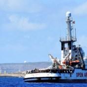Situatie aan boord van reddingsschip Open Arms wordt 'onhoudbaar', niet-begeleide minderjarigen mogen van boord