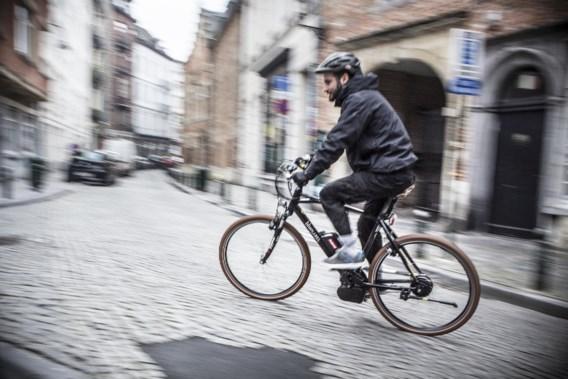 Elektrische fietsers trappen net zo gezond