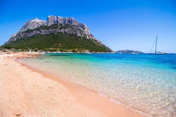 Zand stelen op Sardinië doe je niet ongestraft: Frans koppel riskeert zes jaar cel voor 40 kilo