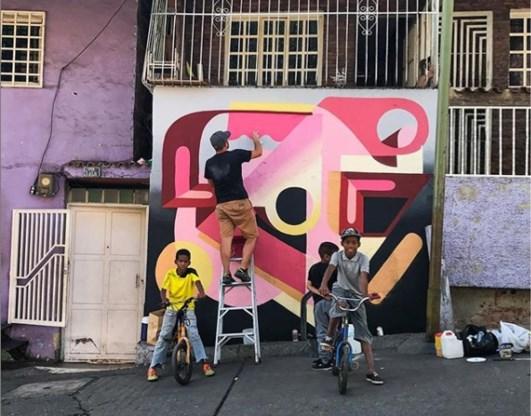 Streetart moet sloppenwijk in Caracas nieuw leven inblazen