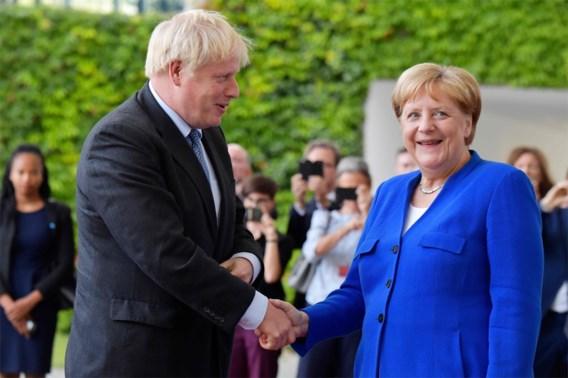 Boris Johnson bij Angela Merkel in Berlijn: 'Een nieuwe Brexit-deal? Wir schaffen das'