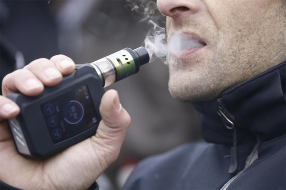 Amerikaanse gezondheidsautoriteit onderzoekt ernstige longziekten gelinkt aan e-sigaret
