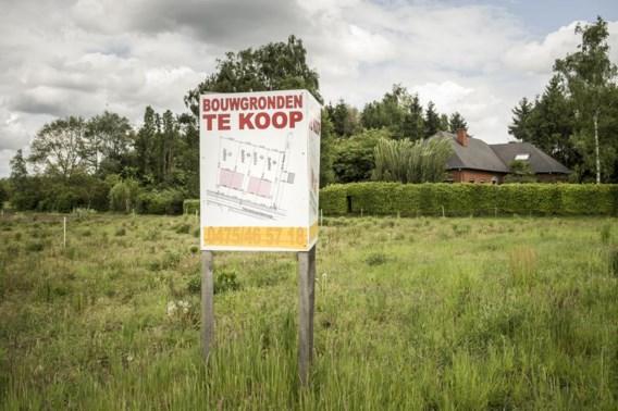 Hoeveel is een geschonken bouwgrond uit 1982 nu waard?