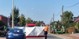 Motorrijder sterft bij botsing tegen tractor in Zoersel