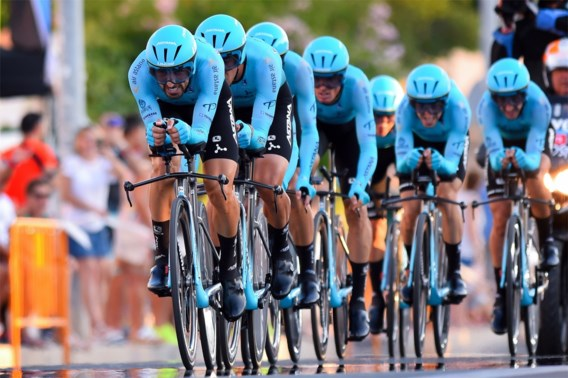 Astana is Deceuninck te snel af in ploegentijdrit Vuelta, drama voor Jumbo-Visma