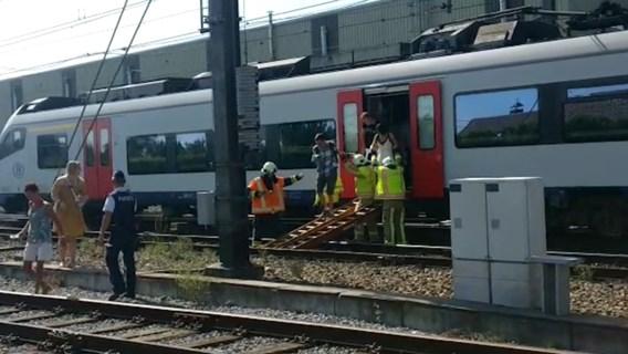 500 reizigers geëvacueerd uit geblokkeerde treinen