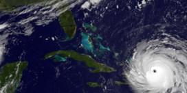 Kunnen orkanen van koers gebombardeerd worden?