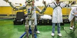 Sojoez met robot Fedor aangemeerd bij ISS