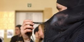 Hoofddoekenverbod wordt Vlaams mijnenveld