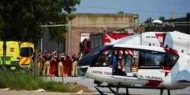 Arbeiders gewond na instorting luifel bij Peers bedrijf