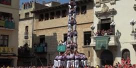 Duizelingwekkende traditie lokt duizenden toeschouwers naar Catalaans festival