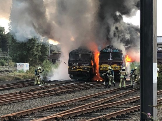Lege passagierstrein in brand in Schaarbeek