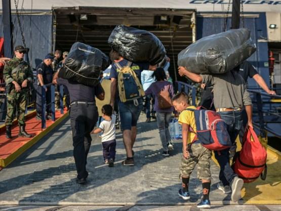 Griekenland brengt asielzoekers weg uit Lesbos
