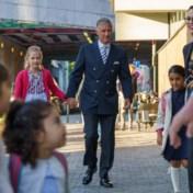 Koning Filip brengt dochter Eléonore naar school