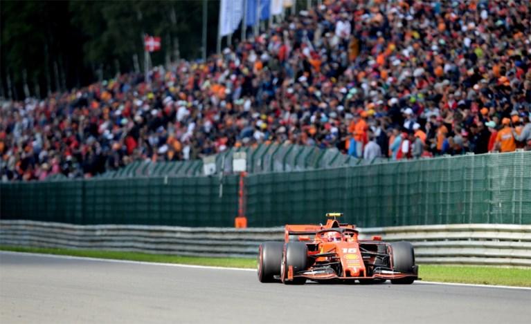 Charles Leclerc pakt allereerste Formule 1-zege in GP van België en draagt overwinning op aan overleden Anthoine Hubert