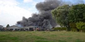 Brand legt landbouwbedrijf in de as